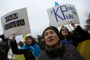 People attend a pro-Ukrainian rally in Simferopol