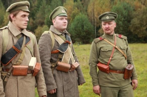 Strelkov during various reenacted battles